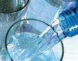 Polacy piją coraz więcej wody