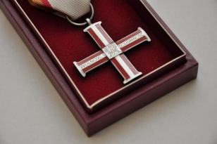 Krzyż Wolności i Solidarności